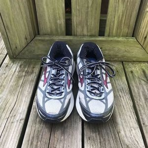 Brooks Dyad 8 Running Shoes Wm Sz 8.5 White/Blue